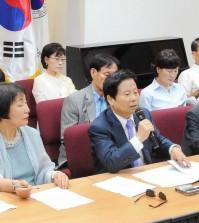 Korean American Federation of Los Angeles President James Ahn, ___, announced the 70th anniversary celebration of Korean independence Monday. (Park Sang-hyuk/Korea Times)