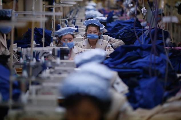 South Korea has offered North Korea MERS detection devices to install at the Kaesong Industrial Complex where  there are factory workers from both the North and South. ((AP Photo/Kim Hong-ji)