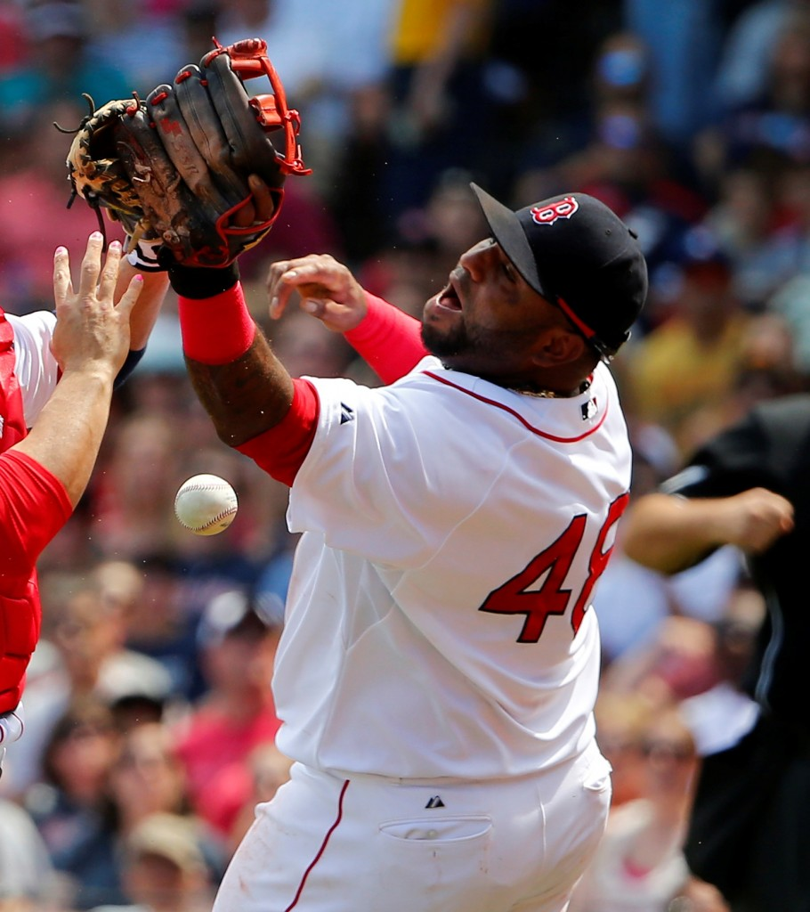Pablo Sandoval, affectionately known as 'Kung Fu Panda,' dropped the ball, so to speak, by using Instagram during game. (AP)