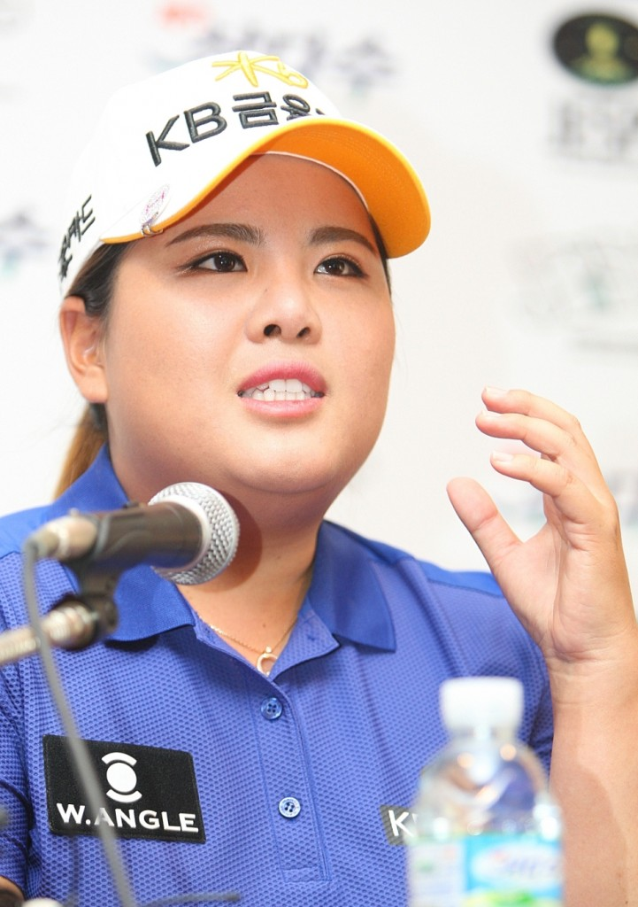 Park In-bee, the world's top-ranked female golfer, speaks to reporters at a press conference ahead of a Korean LPGA Tour event on Jeju Island on Aug. 6, 2015. (Yonhap)
