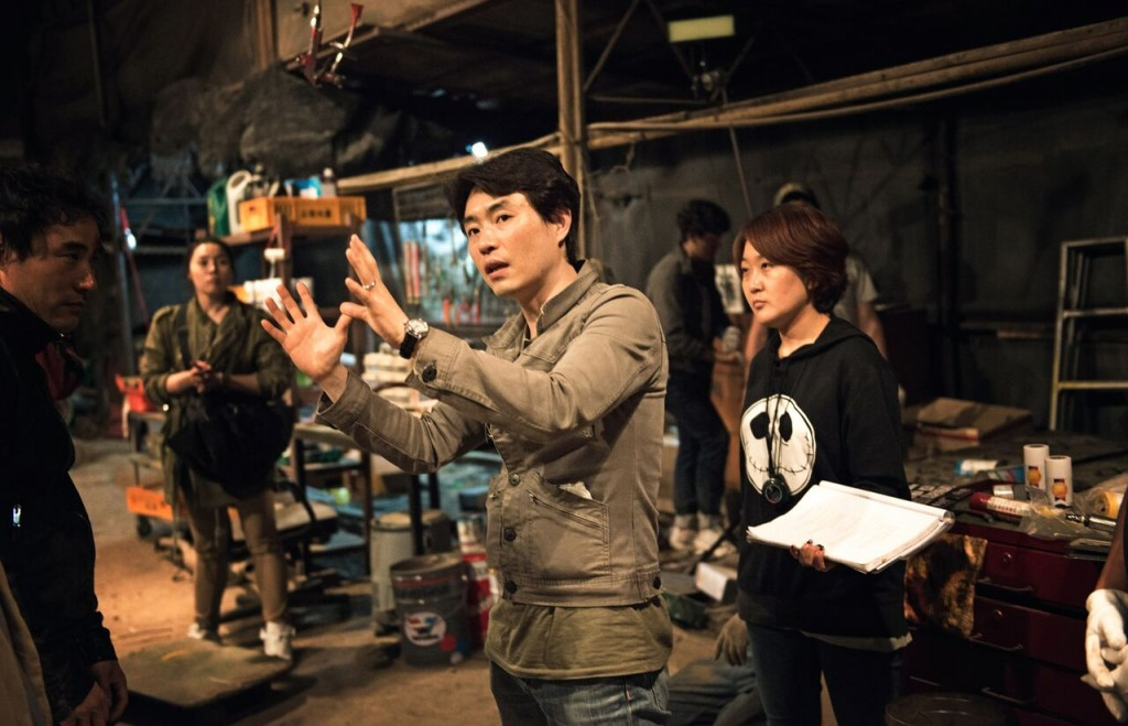 "Director Ryoo Seung-wan on the set of ""Veteran"" (Photo courtesy of CJ E&M)"