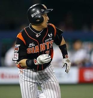 Son Ah-seop for the Lotte Giants of the Korea Baseball Organization (Yonhap file photo)