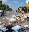 Trash litters the area near Da Wool Jung in Koreatown, Los Angeles, Tuesday morning. (Park Sang-hyuk/Korea Times)