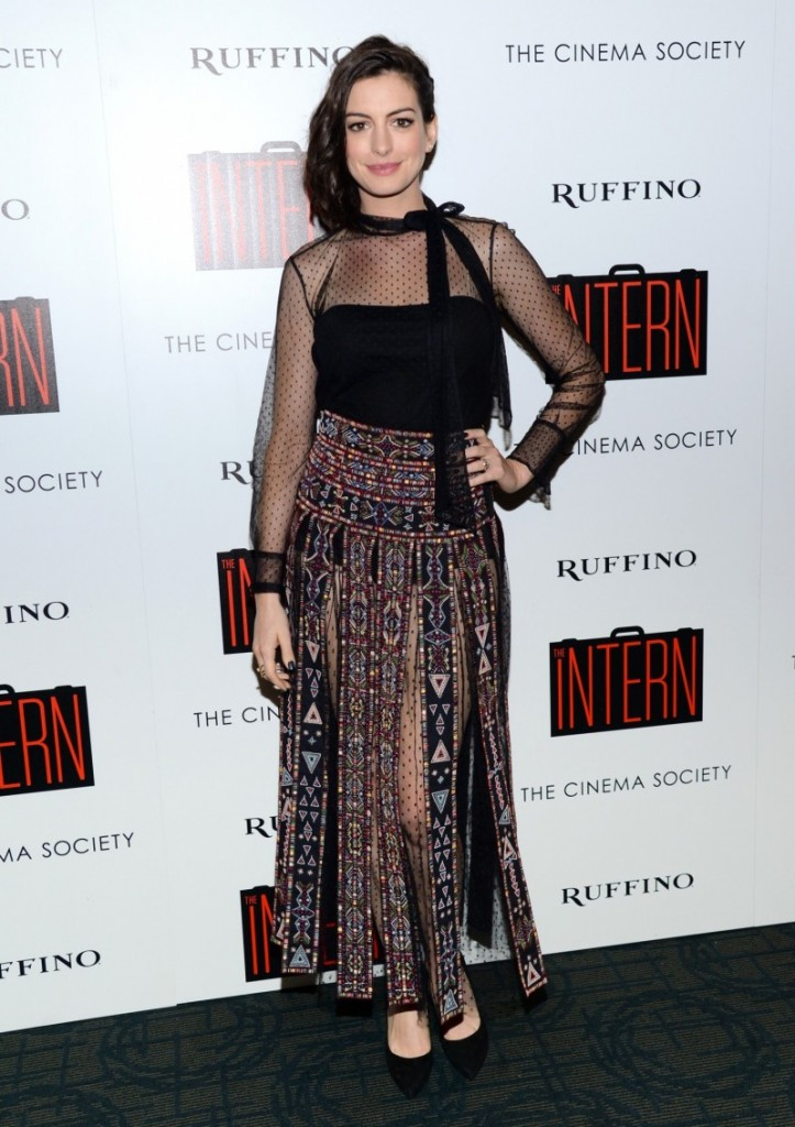 """Actress Anne Hathaway poses for a picture ahead of a special screening of """"The Intern"""", on Sept. 22, 2015, in New York. (Yonhap file photo)"""