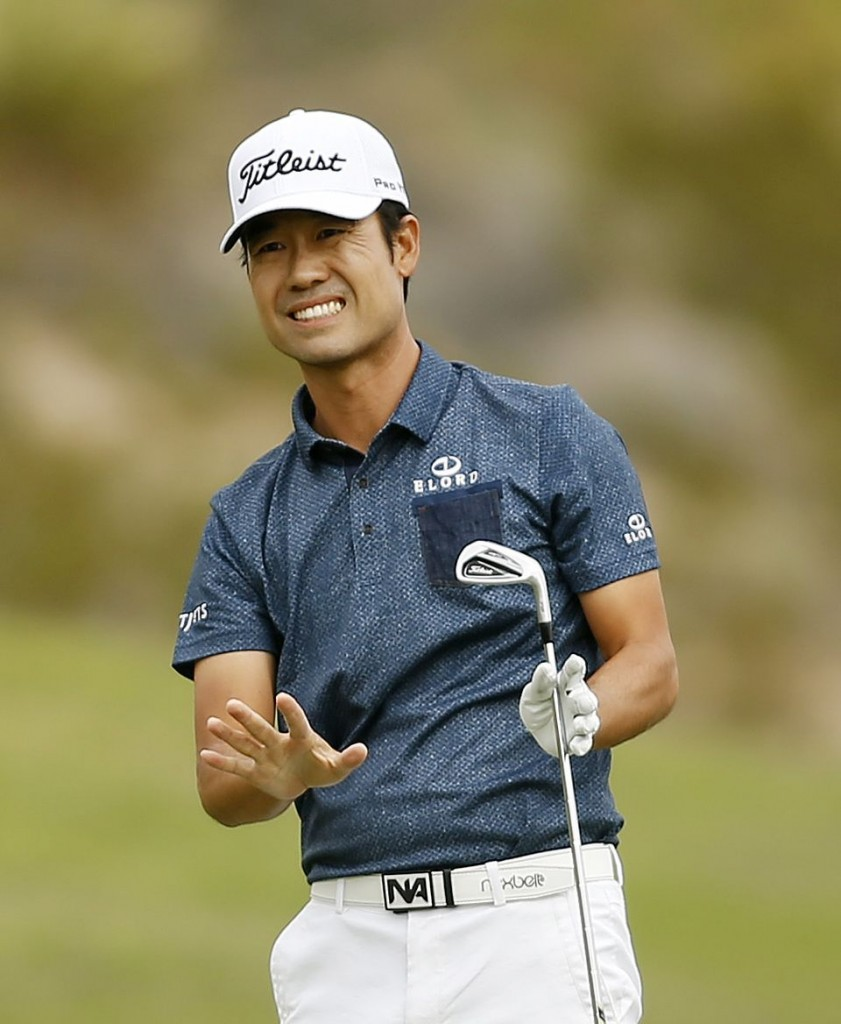 Kevin Na reacts to his second shot on the sixth hole during the final round of the Shriners Hospitals for Children Open golf tournament Sunday, Oct. 25, 2015, in Las Vegas. (AP Photo/Isaac Brekken)