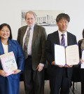 Representatives from the Korean Education Center of New York and Queens Library agreed Thursday to begin Korean language classes once a week at the library.