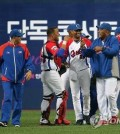 Cuba defeated South Korea 3-1 in a second round of an exhibition baseball game held on Nov. 5, 2015 at Gocheok Sky Dome in western Seoul.(Yonhap)