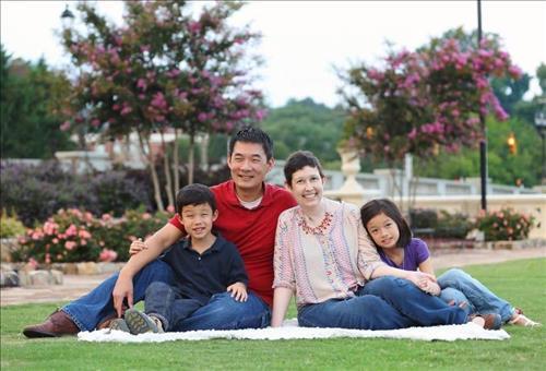 Hyong Yi and his family (Lindsay Hart / People)