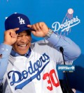 Los Angeles Dodgers Dave Roberts is officially introduced as the first minority manager in franchise history at Dodger Stadium in Los Angeles Tuesday, Dec. 1, 2015. (AP Photo/NIck Ut)
