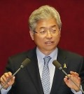 Rep. Lee Cheol-woo of the Saenuri Party, a member of the National Assembly Intelligence Committee. (Yonhap)
