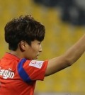 Moon Chang-jin of South Korea celebrates his first goal against Uzbekistan in the team's 2-1 victory at the Asian Football Confederation U-23 Championship in Doha on Jan. 13, 2016. (Yonhap)