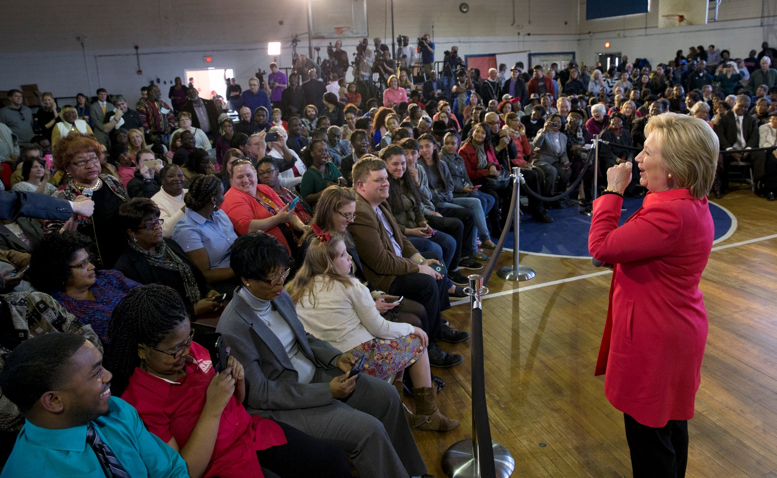 Presidential contenders fight for minority voters in SC ...