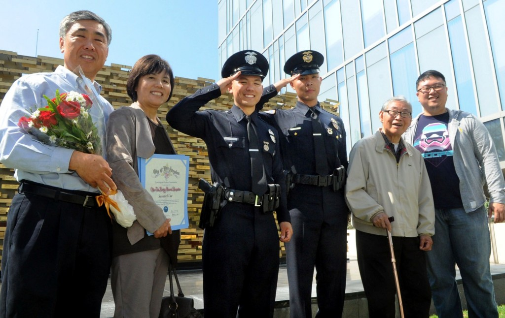 Samuel Lee, third from left, and Jay Kim (Korea Times / Park Sang-hyuk) (Korea Times / Park Sang-hyuk)