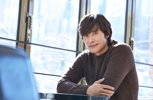 Actor Lee Byung-hun poses for the camera in this photo provided by Warner Bros. Korea on Feb. 20, 2017.