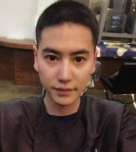 This image captured from Kyuhyun's Twitter account shows the singer having cut his hair short ahead of joining an Army boot camp on May 25, 2017. (Yonhap)