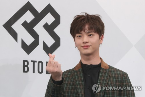 "Sungjae, a member of South Korean boy group BTOB, poses for a photo during a showcase for the group's second album ""Brother Act."" in Seoul on Oct. 16, 2017. (Yonhap)"