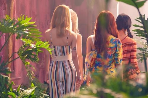This teaser image of Mamamoo's upcoming record for summer is provided by RBW Entertainment. (Yonhap)