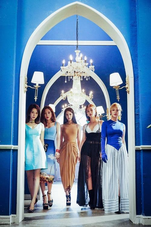 This image of Girls' Generation-Oh!GG is provided by SM Entertainment. (Yonhap)
