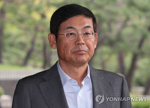 Lee Sang-hoon, the chairman of the board of directors at Samsung Electronics Co., is seen in this photo taken on Sept. 6, 2018, as he arrived at the Seoul central prosecution office for questioning over the firm's alleged sabotaging of employee's labor union activities at its subsidiary. (Yonhap)