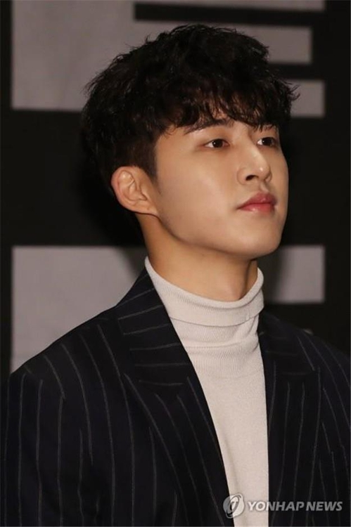 "iKON leader B.I speaks during a press conference for the release of the group's new album, ""New Kids: The Final,"" on Oct. 1, 2018. (Yonhap)"